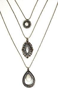 Mix de colares ouro velho com pedra pérola e strass
