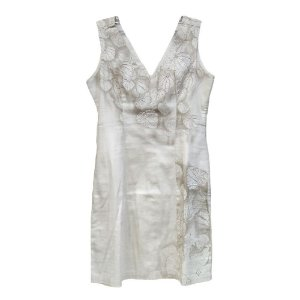 Vestido com Decote e Detalhes Bordados - Richini