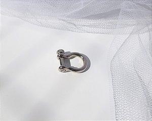 Pin Estribo - Banhado a Ródio Branco