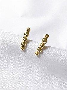 Brinco Ear hook de bolas dourado semi joia