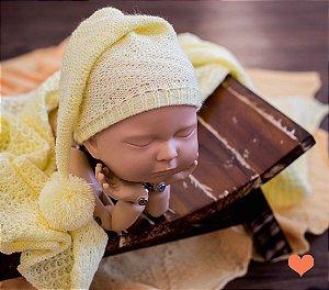 Gorro Funil Trabalhado Amarelo Bebê