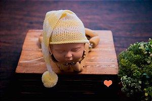 Gorro Funil de Tricot  listrado Amarelo Bebê com Cru