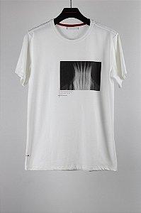 camiseta monumental off