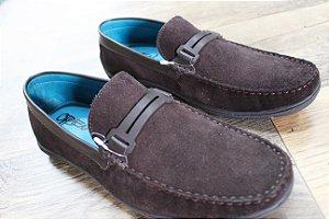 Sapato em Couro Camurça
