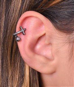 Piercing fake de cruz cravejada com zirconia pendurada