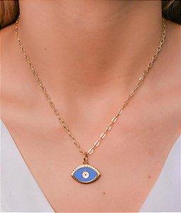 Choker corrente cartier com pingente de olho grego resinado azul e branco