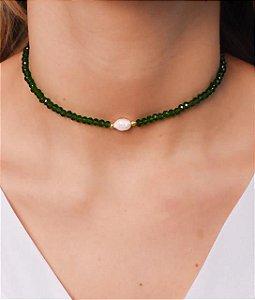 Choker todo de cristal com pérola de agua doce na cor verde bandeira transparente
