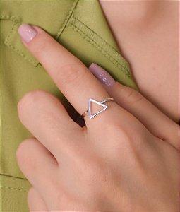 Anel De Triângulo Vazado. Prata 925