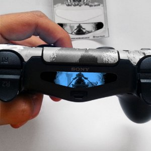 Adesivo Light Bar Controle PS4 God Of War Mod 04
