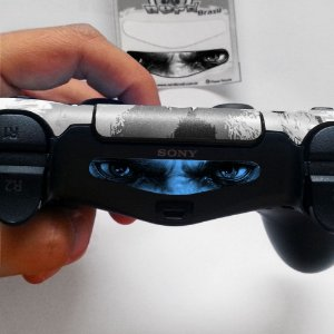 Adesivo Light Bar Controle PS4 God Of War Mod 05
