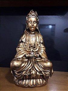 kuan Yin metalização dourada 42cm