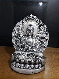 Buda o Imperador na flor de lotus prata com adorno frutacor