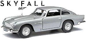 Miniatura Carro  007 Skyfall Hot Weels DJF45