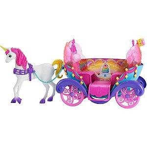 Boneca Barbie Fantasia Carruagem com Princesa