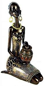 Estatueta Mulher Africana Sentada com Vaso (1164N)
