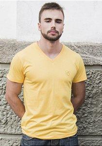 Camiseta Fio de Algodão Orgânico e Ecológico Gola V com Bordado