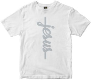 Camiseta Jesus vertical branca Rainha do Brasil
