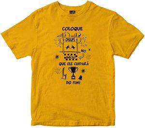 Camiseta Coloque Deus no início amarela Rainha do Brasil