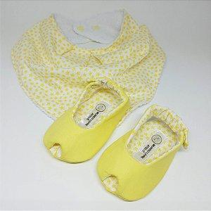 Kit - Sapatinho Peep Toe e Babador Bandana Estampado Amarelo Claro Florido