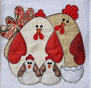 Pano de Prato em Patchwork  - Família galinha (cod.87)