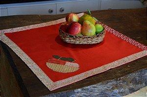 Toalha 78cmx78cm - Cor: Vermelha - Bordado: Cesta frutas