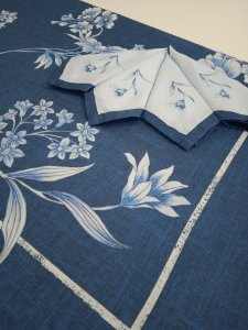 Toalha de Mesa Mari (Flores Azuis) - Linho