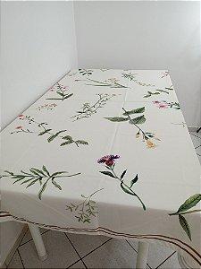 Toalha de Mesa Elis (Galhos e Flores fundo marfim)- Tecido com Impermeabilidade