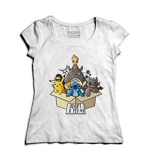 Camiseta Feminina Pikachu e Groot - Loja Nerd e Geek - Presentes Criativos