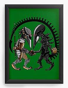 Quadro Decorativo A4 (33X24) Geekz Alien vs Moster - Loja Nerd e Geek - Presentes Criativos