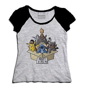 Camiseta Feminina Raglan Pikachu e Groot - Loja Nerd e Geek
