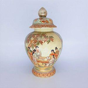 Vaso Potiche em Porcelana Chinesa Pintura a Mão e Filetado a