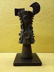 Escultura em Bronze do Artista Masumi Tsuchimoto já exposta
