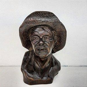 Escultura em Imbuia Homem da Roça