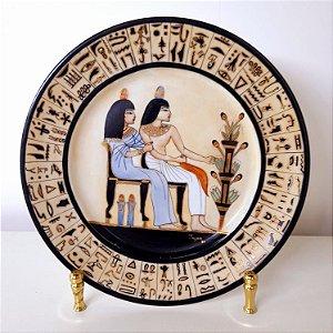 Prato Egípcio Pintado a Mão Filetado a Ouro