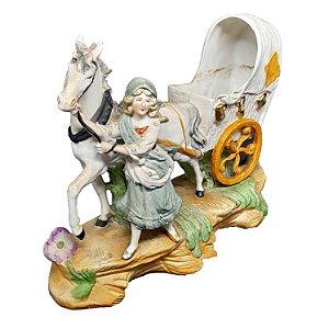 Escultura Carruagem em Porcelana Alemã com Policromia Feita