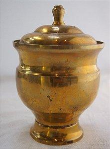 Potiche de latão antigo