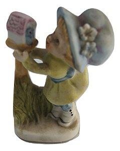 Escultura Estátua De Porcelana Criança Com Passarinho
