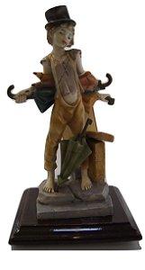 Escultura Estátua De Resina Menino Com Guarda Chuva