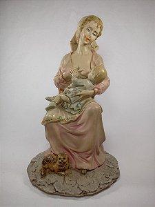 Escultura  Maternidade  Em Resina