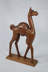 Escultura De Madeira Lhama
