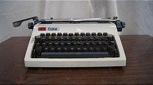 Antiga Maquina De Escrever Daro Erika Alama