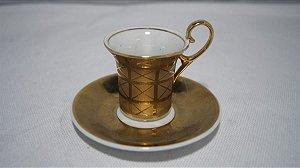 Xícara Porcelana Polovi Dourada