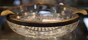 Cinzeiro de Cristal com Detalhes em Metal