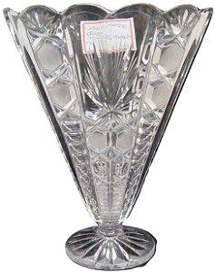Vaso De Cristal Tcheco Lapidado á Mão Triangular Déc. 70