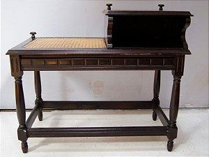 Mesa de telefone antiga estilo colonial telinha