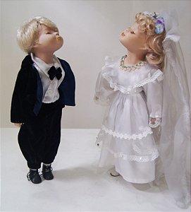 Casal de Bonecos De Porcelana Enfeite Casamento Alemão