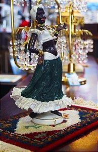 Bibelô Escultura Boneca em Porcelana Moça Brasileira