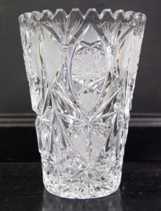 Vaso de Cristal Lapidado Tcheco Retrô