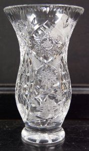 Vaso de Cristal Decorativo Tcheco Lapidado