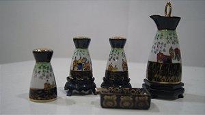 Porta Tempero Em Porcelana Japonesa